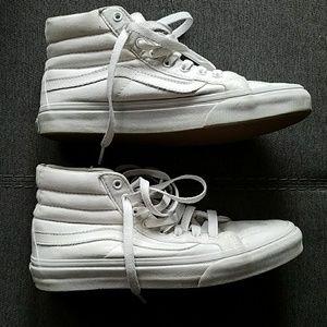 0827e0e5a00b62 Vans Shoes - Vans Sk8-Hi Slim Core Classics - Unisex style